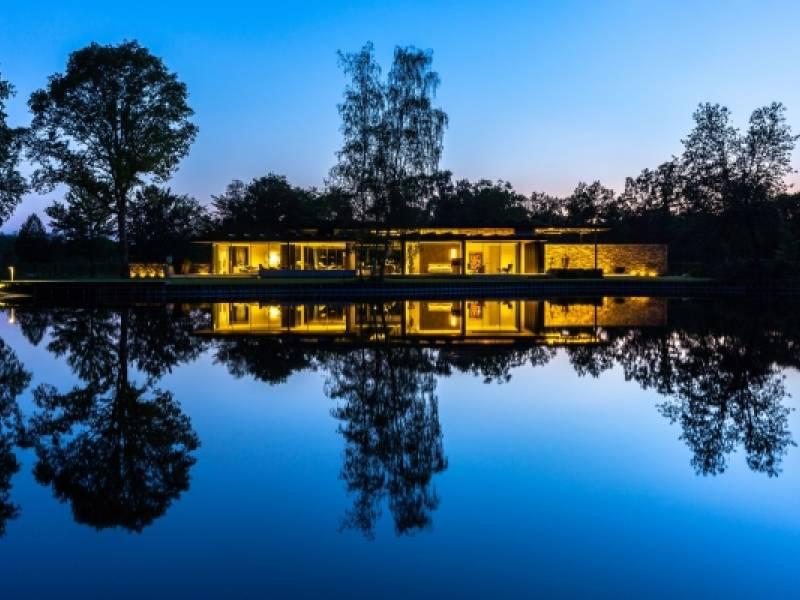 Luxe villa voorzien van elektra en domotica